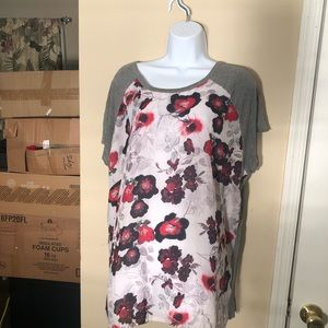 Daisy Fuentes Gray Floral Blouse